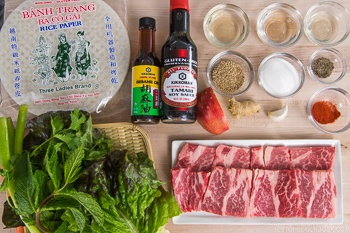 Fresh Spring Rolls with Yakiniku Ingredients