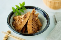 Simmered Bamboo Shoots (Tosani)たけのこの土佐煮