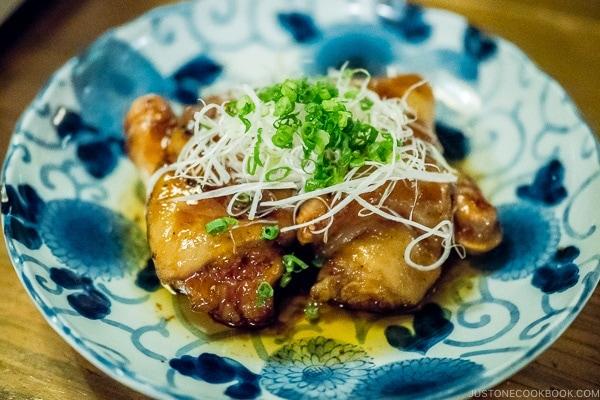 Pork feet Tebichi Nikomi てびち煮込み - Yoshizaki Cafeteria 吉崎食堂 Okinawa Travel Guide | justonecookbook.com