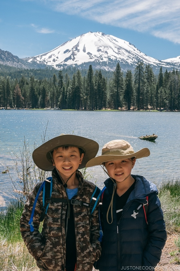 Just One Cookbook children in front of Manzanita Lake - Lassen Volcanic National Park Travel Guide | justonecookbook.com