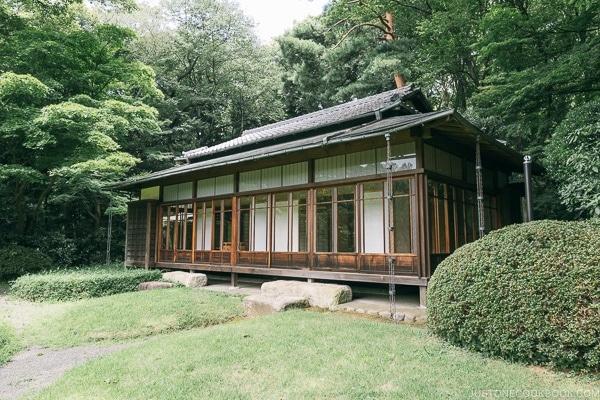 teahouse at Meiji Jingu Gyoen - Meiji Jingu Guide | justonecookbook.com