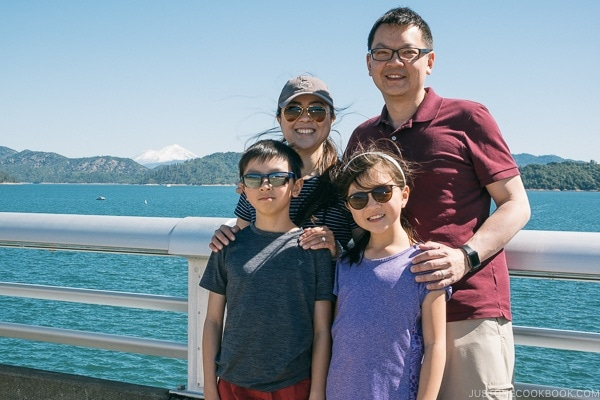 Just One Cookbook family at Shasta Dam - Redding California Travel Guide | justonecookbook.com