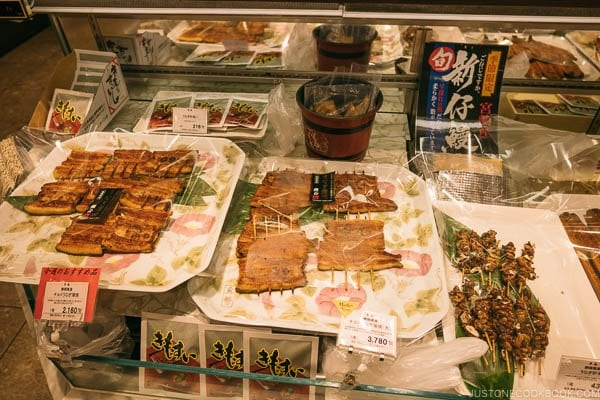 eels at Shinjuku Isetan Food Floor - Shinjuku Travel Guide | justonecookbook.com