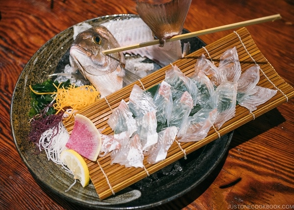 seam bream tai sashimi at Zauo Shinjuku ざうお新宿店 - Shinjuku Travel Guide | justonecookbook.com