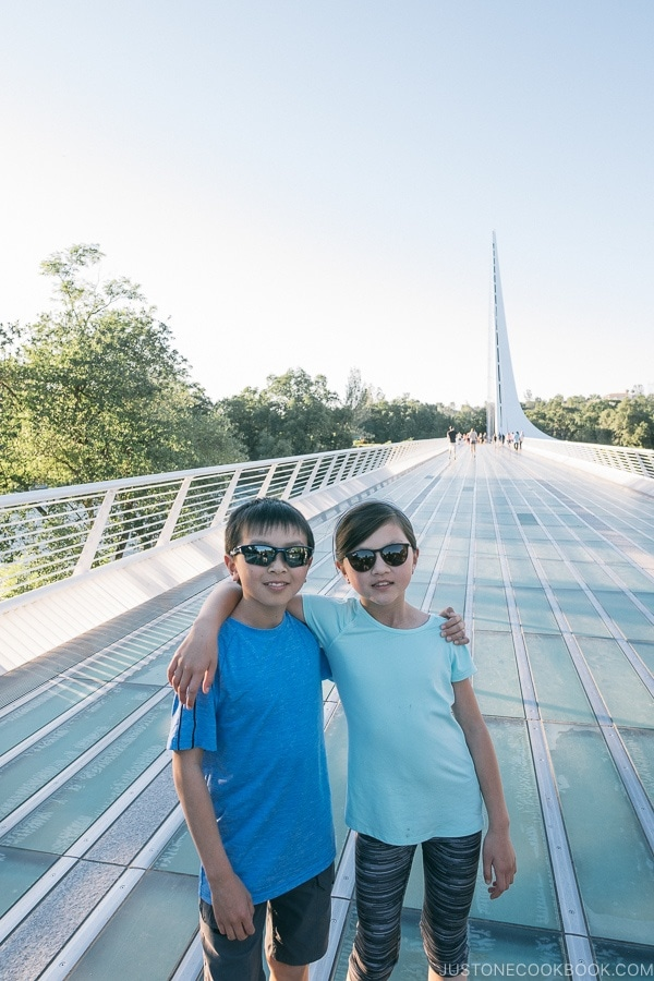 Just One Cookbook children at Sundial Bridge - Redding California Travel Guide | justonecookbook.com