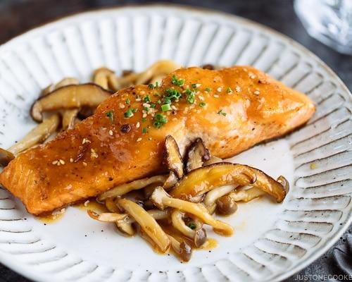 miso butter salmon 味噌バターサーモン just one cookbook