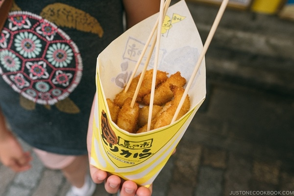 Kin-No-Torikara chicken skewers - Tokyo Shibuya Travel Guide | www.justonecookbook.com