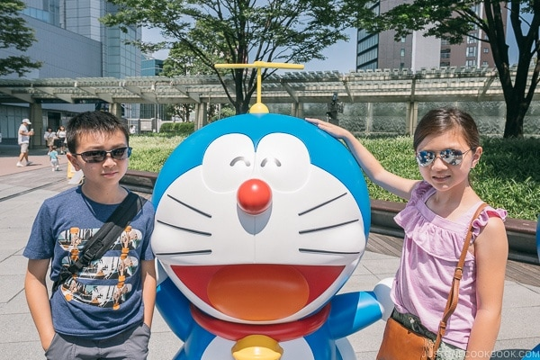 Just One Cookbook children with Doraemon in front of Roppongi Hills Mori Tower - Tokyo Roppongi Travel Guide | www.justonecookbook.com
