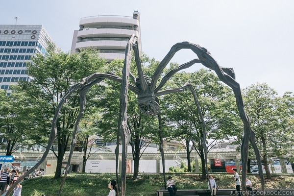 Maman Spider Statue in front of Roppongi Hills Mori Tower - Tokyo Roppongi Travel Guide | www.justonecookbook.com