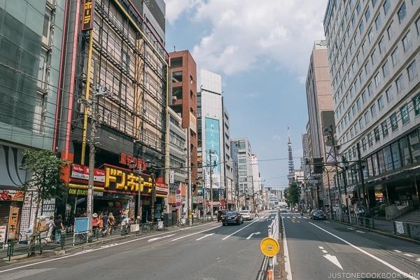 Roppongi Yokocho - Tokyo Roppongi Travel Guide | www.justonecookbook.com