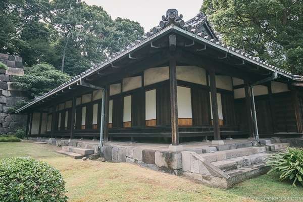 O-bansho Guardhouse - The East Gardens of the Imperial Palace Guide | www.justonecookbook.com