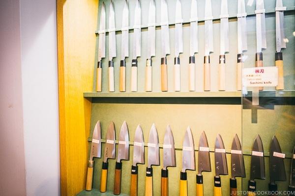 sashimi knives and deba knives - Tokyo Kappabashi Guide | www.justonecookbook.com