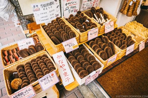 Japanese Tawashi scrubs - Tokyo Kappabashi Guide | www.justonecookbook.com