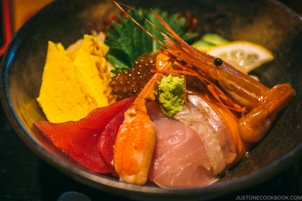 kaisen seafood donburi at shunpu banri restaurant - Tokyo Dome City | www.justonecookbook.com