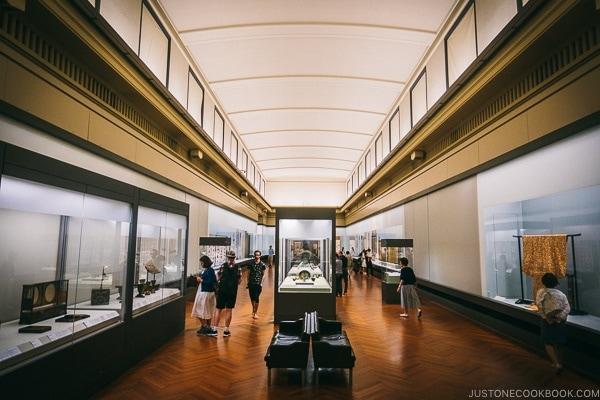 display gallery - Tokyo National Museum Guide | www.justonecookbook.com