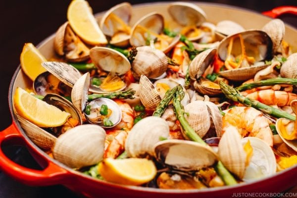 Easy Paella Recipe | www.justonecookbook.com