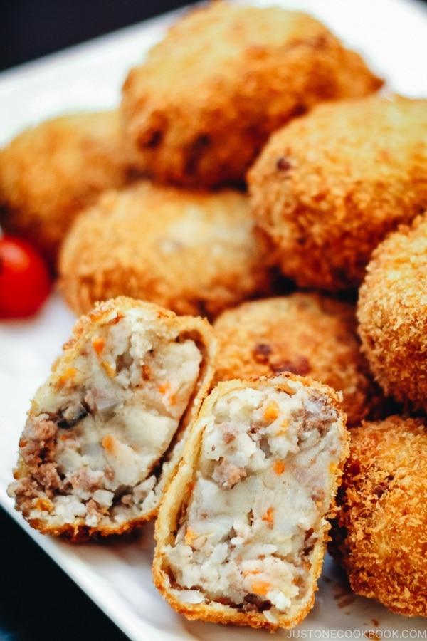 Korokke Potato Amp Meat Croquette コロッケ Just One Cookbook
