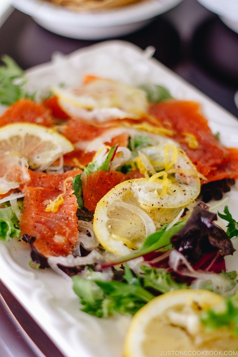 Smoked Salmon Salad with Lemon Vinaigrette | www.justonecookbook.com