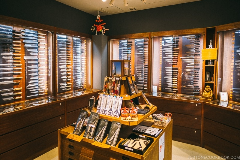 knife store at Tokyo Skytree Town - Tokyo Skytree Guide | www.justonecookbook.com