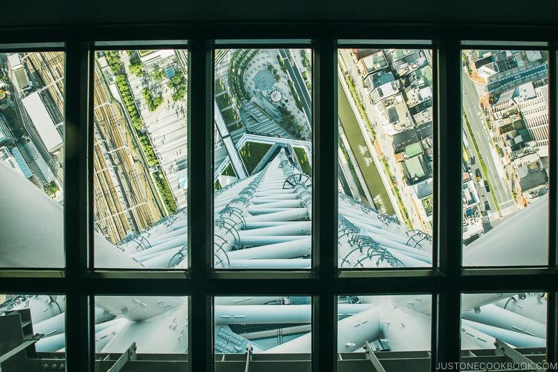 glass floors at Tokyo Skytree - Tokyo Skytree Guide | www.justonecookbook.com