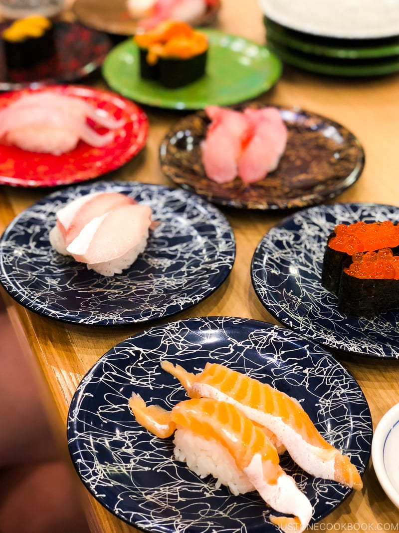 sushi at Toppi Sushi Venus Fort - Tokyo Odaiba Travel Guide | www.justonecookbook.com