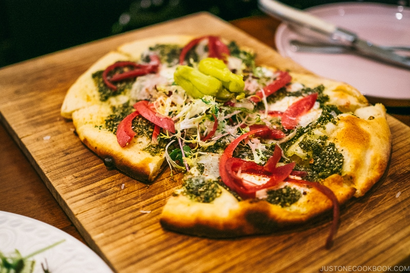 wood fired pesto pizza at HSL Salt Lake City - Ski Vacation Planning in Utah | www.justonecookbook.com