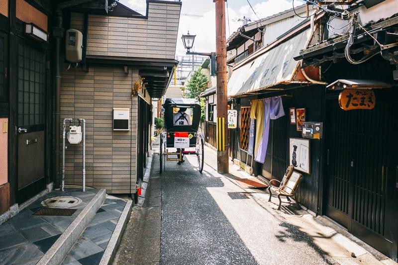 Narrow streets in Naramchi - Nara Guide: Things to do in Nara | www.justonecookbook.com