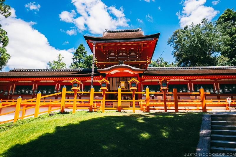 Chumon (center gate) and Oro - Nara Guide: Kasuga-taisha | www.justonecookbook.com