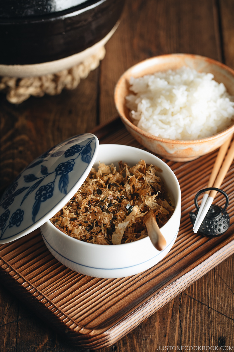 Homemade Japanese rice seasoning, Furikake, in a Japanese blue and white ceramic bowl.