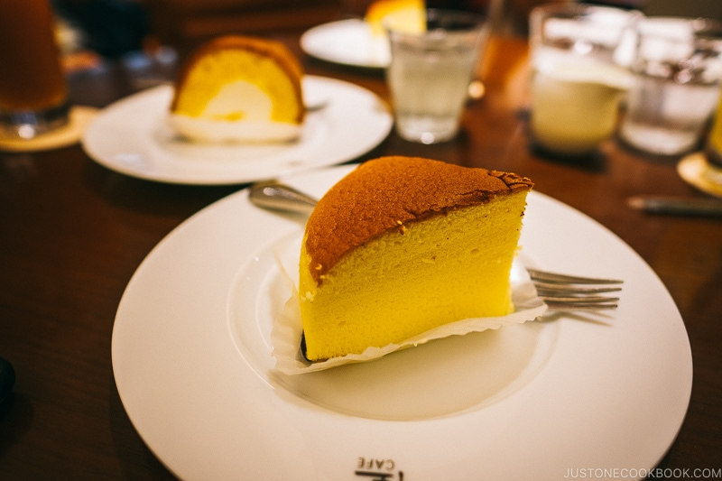 cheesecake at Rikuro-ojisan No Mise - Osaka Guide: Dotonbori and Namba | www.justonecookbook.com