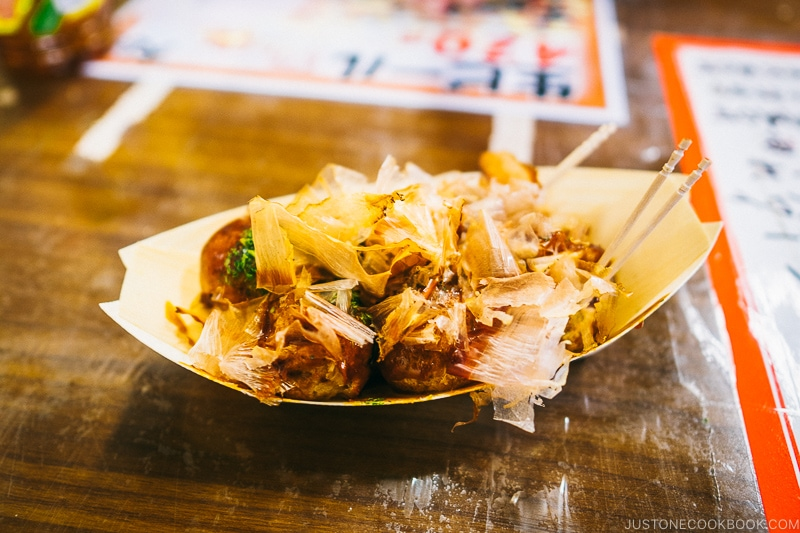 takoyaki from Otako takoyaki stand - Osaka Guide: Dotonbori and Namba | www.justonecookbook.com