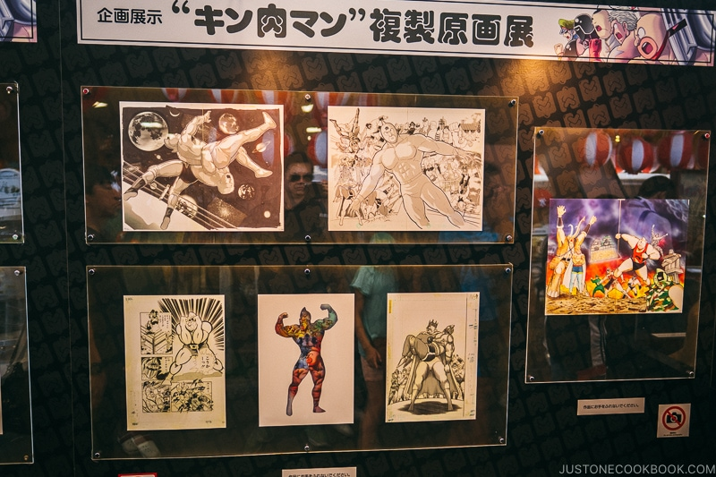 Kinnikuman replica art work at Tsutenkaku Tower - Osaka Guide: Tsutenkaku and Shinsekai District | www.justonecookbook.com
