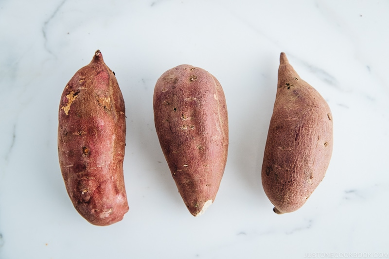 Satsumaimo (Japanese sweet potatoes) | Easy Japanese Recipes at JustOneCookbook.comSatsumaimo (Japanese sweet potatoes) | Easy Japanese Recipes at JustOneCookbook.com