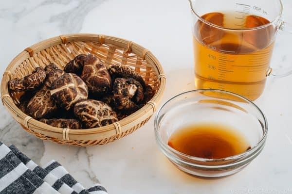 Dried shiitake mushrooms and shiitake dashi.