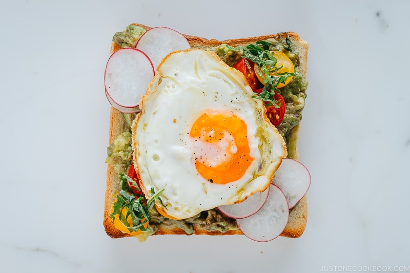 Avocado Toast with Fried Egg and Tomatoes | Easy Japanese Recipes at JustOneCookbook.com