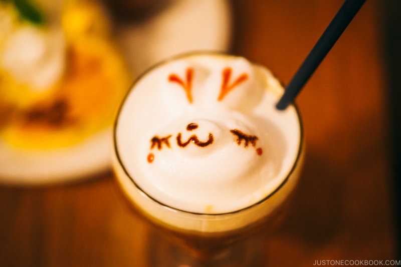 smiling elk face on coffee foam - Osaka Guide: Amerikamura & Shinsaibashi Shopping Street | www.justonecookbook.com