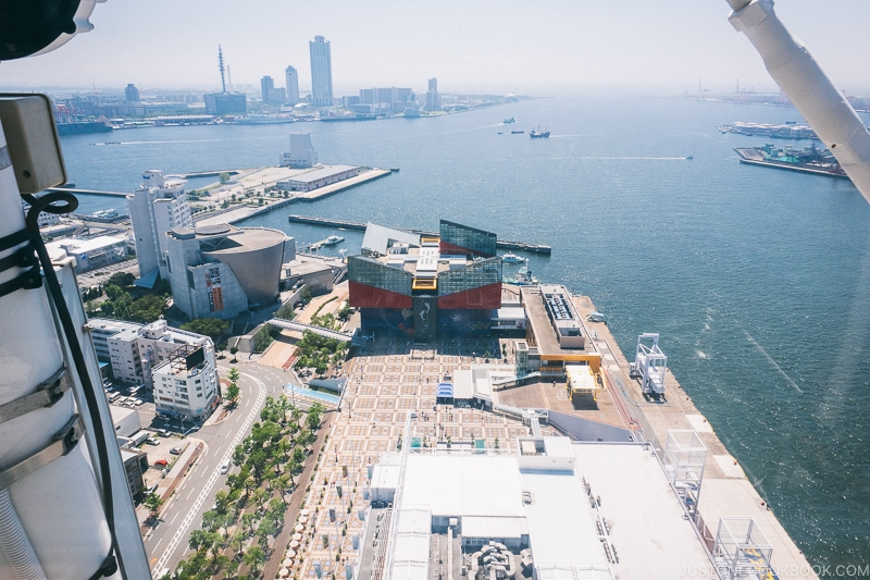 view of Kaiyukan and Osaka Culturarium - Osaka Guide: Tempozan Harbor Village | www.justonecookbook.com
