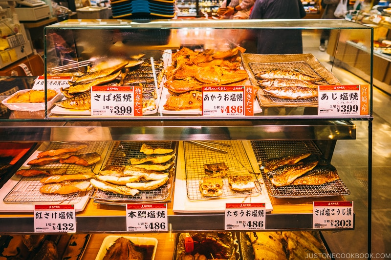 grilled and salted fish shop - Osaka Guide: Umeda | www.justonecookbook.com