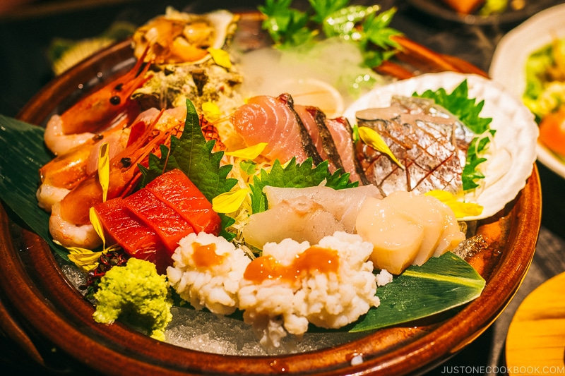"""Cloudy"" sashimi platter with dry ice at Mamesuke - Osaka Guide: Umeda 