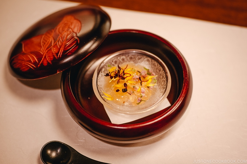 Sunomono 酢物 - Kaiseki Ryori: The Art of the Japanese Refined Multi-course Meal | www.justonecookbook.com