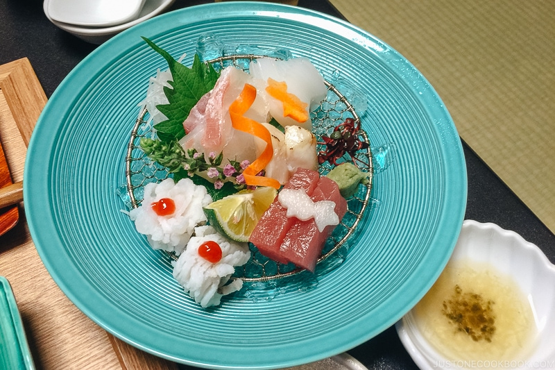Mukozuke 向付 - Kaiseki Ryori: The Art of the Japanese Refined Multi-course Meal | www.justonecookbook.com