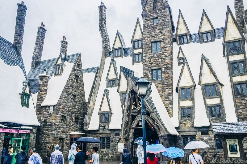 Three Broomsticks at the Wizarding World of Harry Potter - Osaka Guide: Universal Studios Japan | www.justonecookbook.com