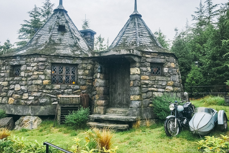 Hagrid's Hut at the Wizarding World of Harry Potter - Osaka Guide: Universal Studios Japan | www.justonecookbook.com