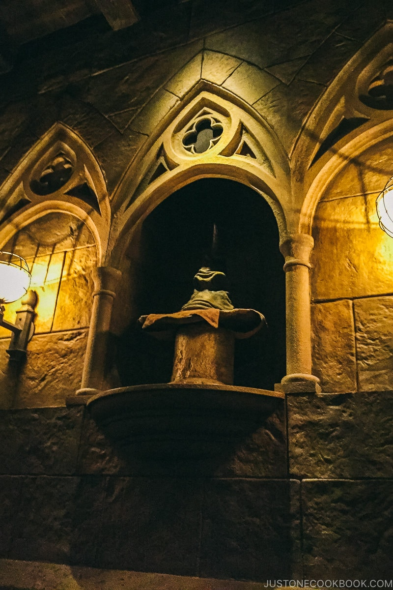 Talking Sorting Hat at Harry Potter and the Forbidden Journey - Osaka Guide: Universal Studios Japan | www.justonecookbook.com