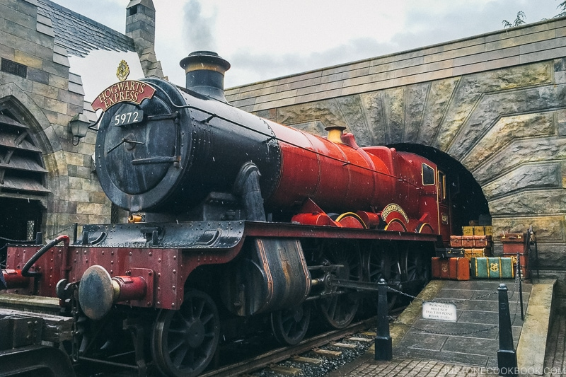 Hogwarts Express at the Wizarding World of Harry Potter - Osaka Guide: Universal Studios Japan | www.justonecookbook.com