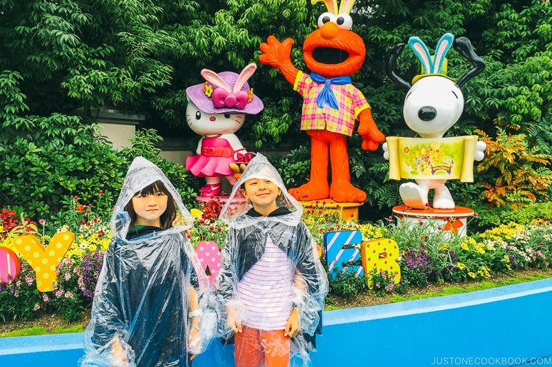 children in front of Wonderland characters - Osaka Guide: Universal Studios Japan | www.justonecookbook.com