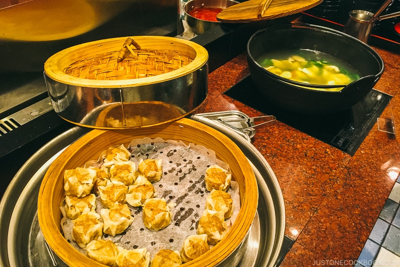 steamed dumping and soup at Port Dining Rico Rico inside Hotel Universal Port - Osaka Guide: Universal Studios Japan | www.justonecookbook.com