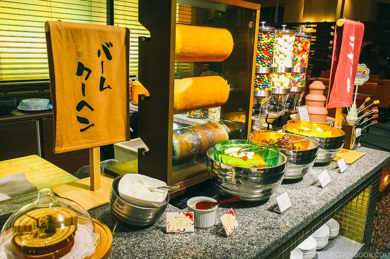 baumkuchen dessert bar at Port Dining Rico Rico inside Hotel Universal Port - Osaka Guide: Universal Studios Japan | www.justonecookbook.com