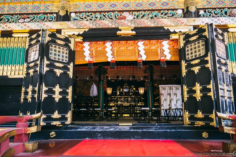 interior of Yakushido Temple (crying dragon) - Nikko Travel Guide : Nikko Toshogu Shrine | www.justonecookbook.com