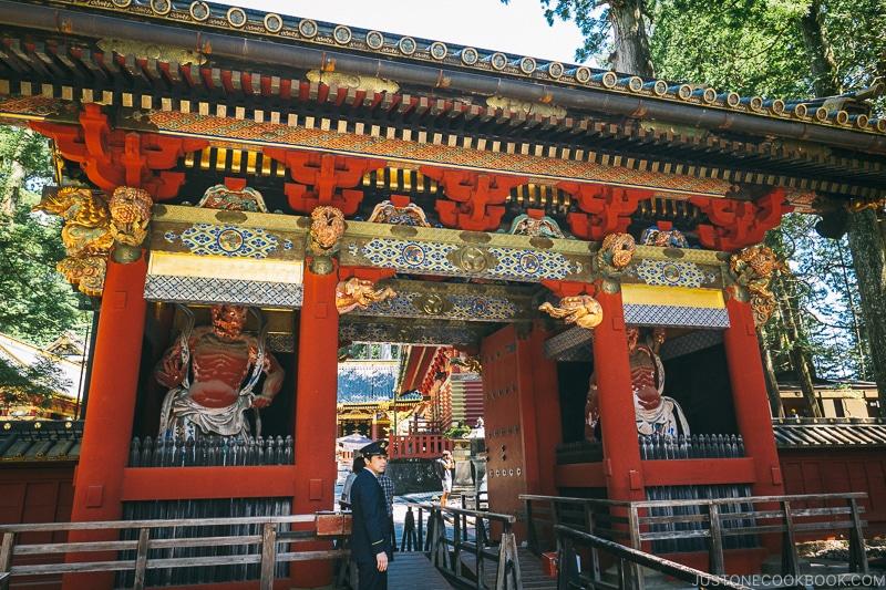Omotemon (Front Gate) - Nikko Travel Guide : Nikko Toshogu Shrine | www.justonecookbook.com